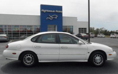 1999 Ford Taurus (white)